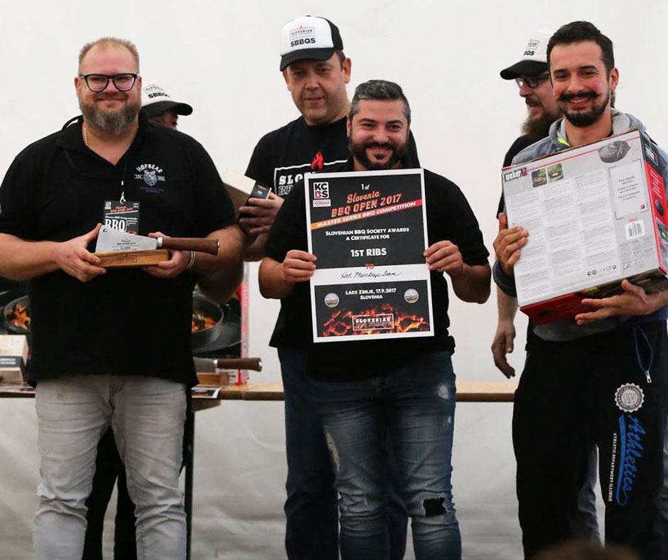 1st Slovenia BBQ Open 2017 1 posto nella categoria Ribs Hot Monkeys BBQ Team